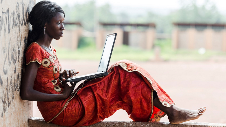 African-girl-with-laptop_ThinkStock_780x443